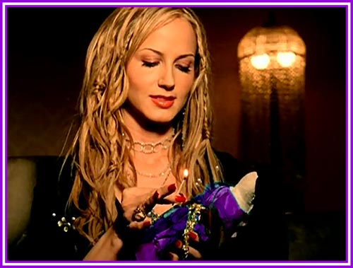 Chely Wright is a Voodoo Lovin' Jezebel